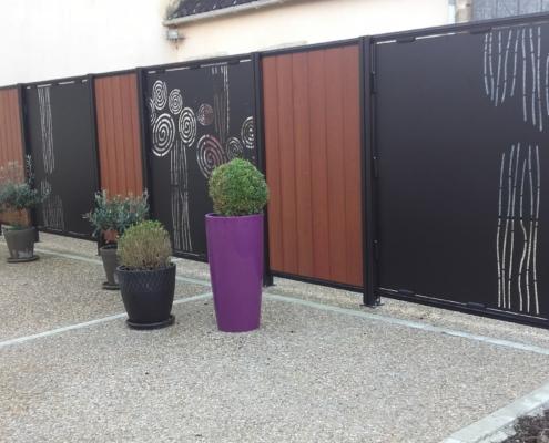 Clôtures en aluminium et bois avec motifs