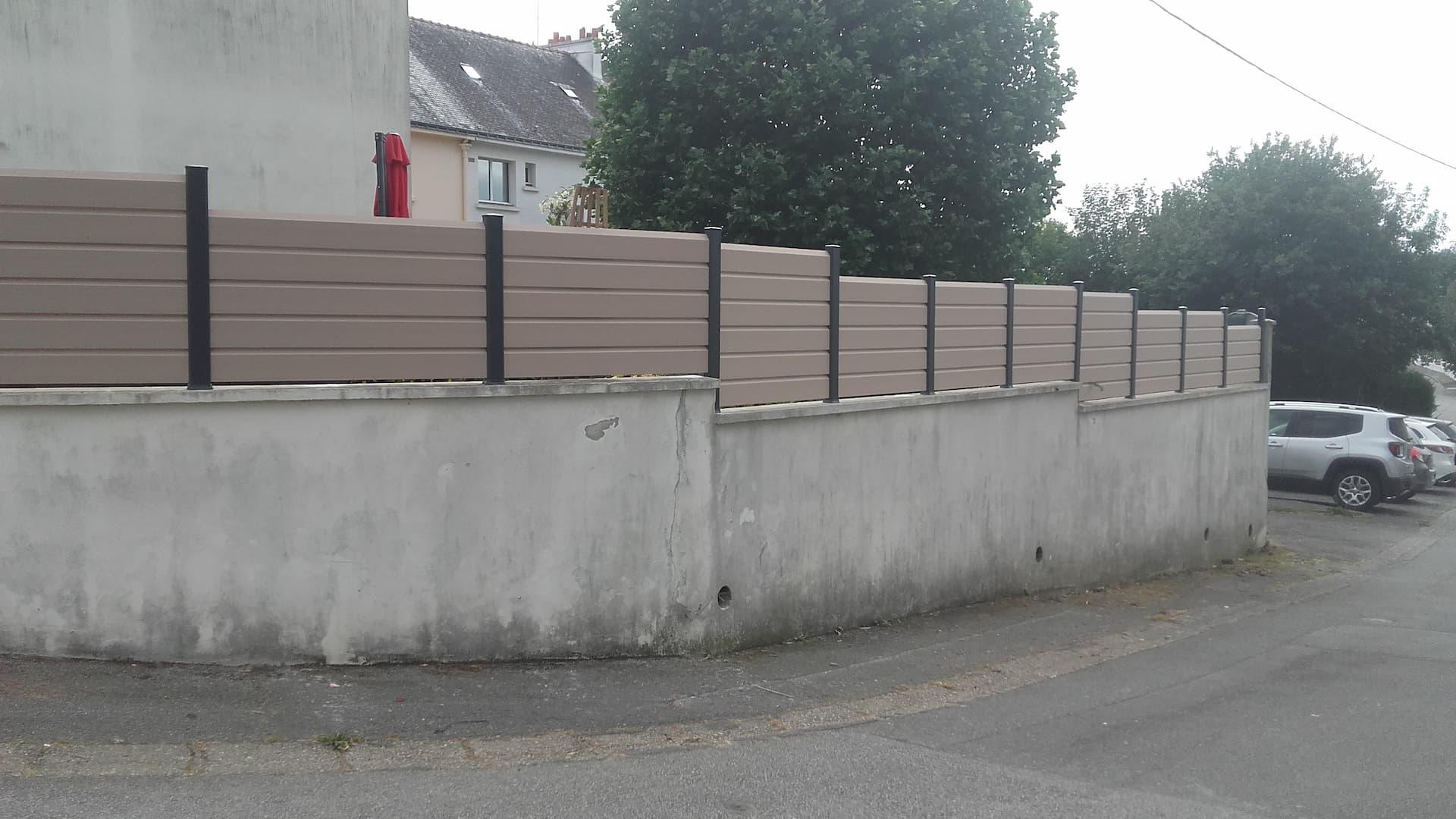 Clôture en PVC beige
